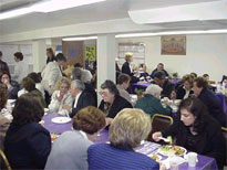 Parishioners enjoy lenter supper.