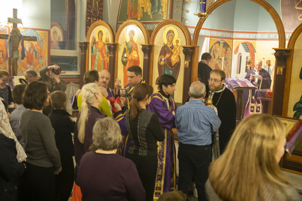 Scene from St. Lukes Hosts Combined Pre-sanctified Liturgy.